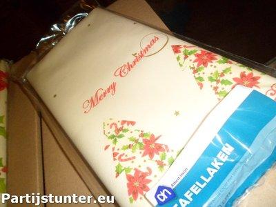 PARTIJ TAFELLAKEN MERRY CHRISTMAS 120X180CM