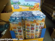 PARTIJ CAPSULE STICKERS WINNIE THE POOH IN DISPLAY